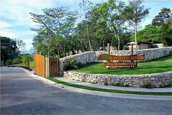 Se vende lote en condominio plantation estates